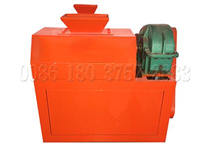 Fertilizer roller compactor